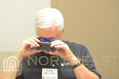 2017-06-12 TECH Mobile Learning - Virtual Reality Goggles
