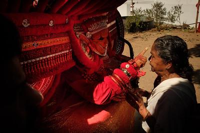 Kannangatu Bagavathy Theyyam