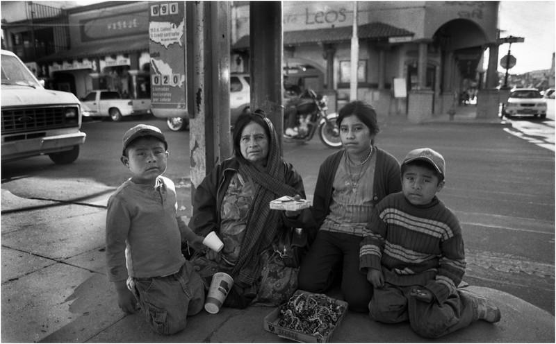 Mexico Nogales Pandhandler Family April 2008