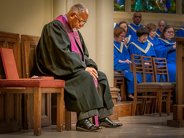 20191201-IMG_0086 Hank Sneed in Prayer