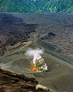 00513_s_9aery4vxc0003 Bali Volcano 11 14