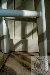 20021214-507514342_shadow_chair_1321