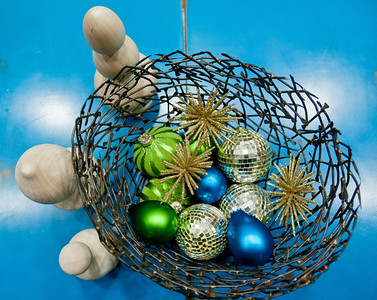 Designer Blake Snyder Eames http://www.blakeeamesdesign.com/