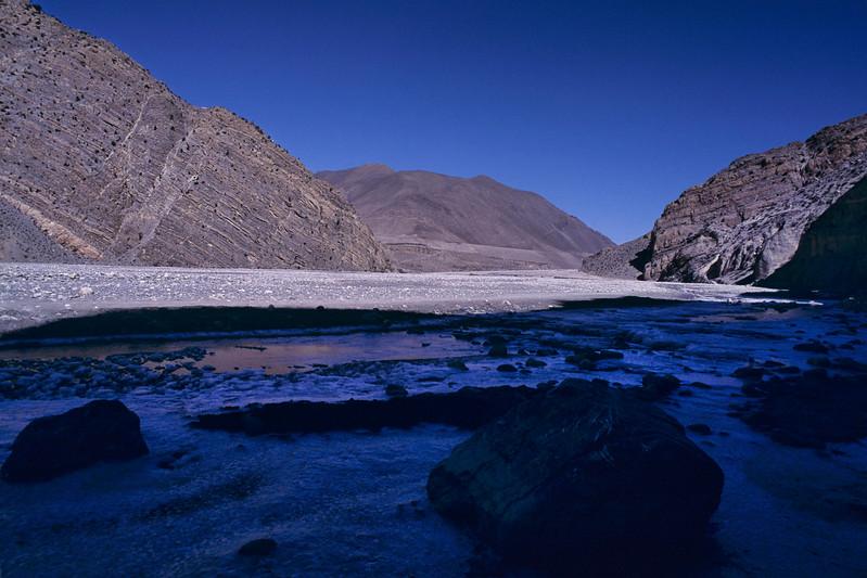 Dried river bed / Lei de rio seco