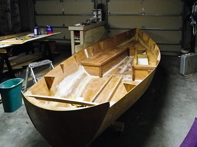 The bow section interior is now complete and it was time to start on the stern section.