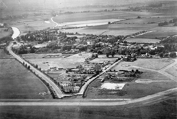 "<font size=3><u> - Aerial Photo Airfield - 1946 - </u></font> (BS0090)  A fascinating aerial view of the village before being designated by Bullingdon District Council as a growth area in the early 1950s.  See ""Benson - A Century of Change"", pages 109 to 124"