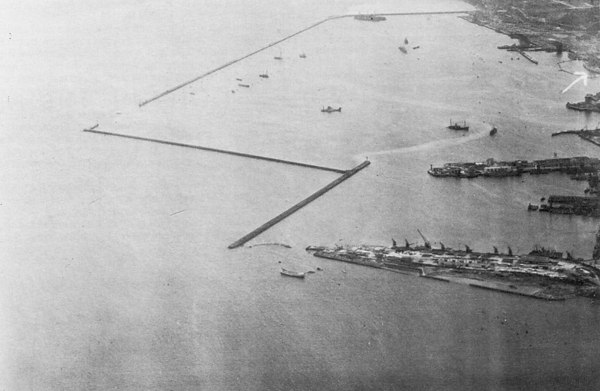 <center><font size=3><u> - Aerial Photo - 7 Apr 1944 - </u></font> (BS0317) </center> As BS316 above