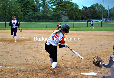 Dodgeville vs Aquinas Softball 5-29-19