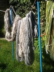 Naturel-wol, grijs, beige en donkerbruin voor speciaal project