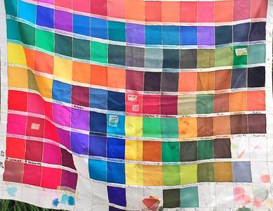 De kleurstalen van omams helpen de weg vinden.