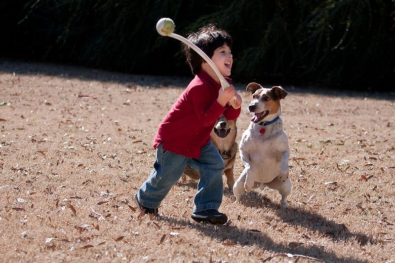 2009-01-18.Carson Throwing the Ball.195-115