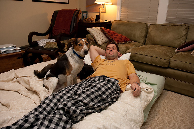 2009-01-17.Dogs on the Air Mattress.004-88