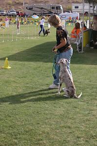 Leslie B and Ana on the start line.