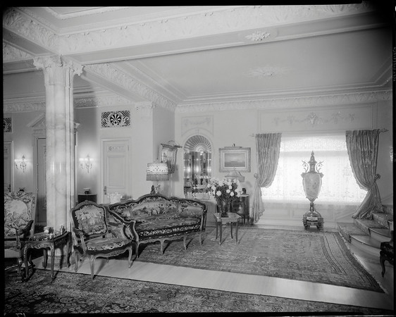 Great hall, Doheny Mansion, Chester Place, Los Angeles, Calif., 1933