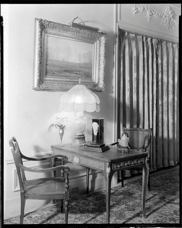 Table and chairs, Doheny Mansion, Chester Place, Los Angeles, Calif., 1933