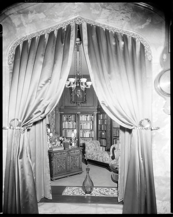 Estelle Doheny's office, Doheny Mansion, Chester Place, Los Angeles, Calif., 1933