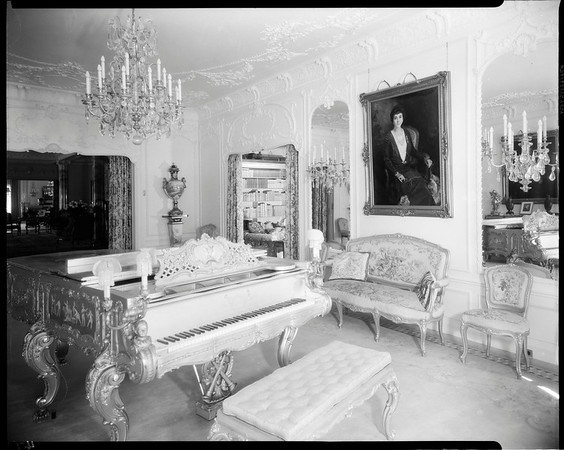 Music room, Doheny Mansion, Chester Place, Los Angeles, Calif., 1933