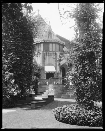South terrace, Doheny Mansion, Chester Place, Los Angeles, Calif., 1933
