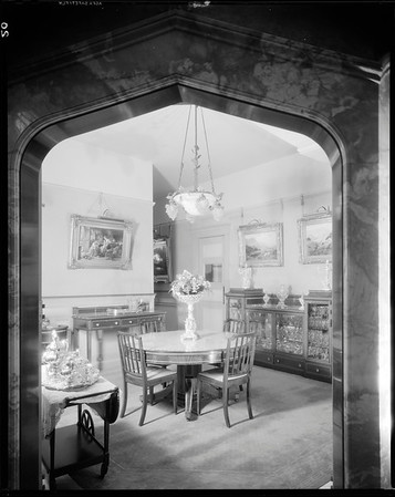 Breakfast nook, Doheny Mansion, Chester Place, Los Angeles, Calif., 1933