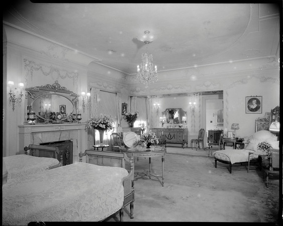 """Rose room"", Doheny Mansion, Chester Place, Los Angeles, Calif., 1933"