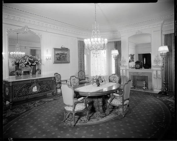 Dining room, Doheny Mansion, Chester Place, Los Angeles, Calif., 1933