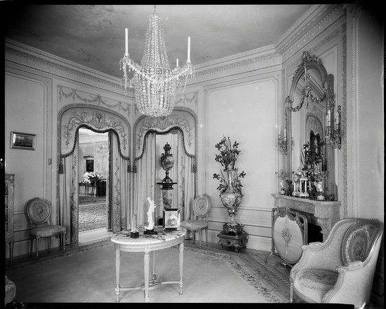 Reception room, Doheny Mansion, Chester Place, Los Angeles, Calif., 1933