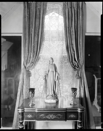 Virgin Mary sculpture, Doheny Mansion, Chester Place, Los Angeles, Calif., 1933