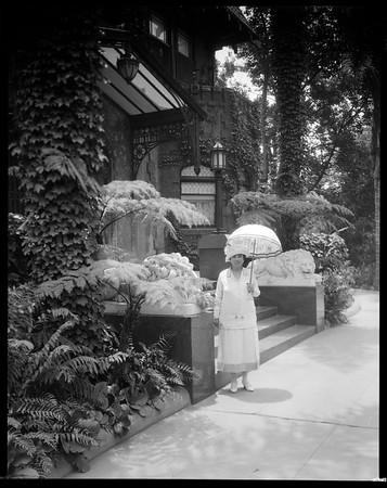 Estelle Doheny, main entrance, Doheny Mansion, Los Angeles, Calif., ca. 1902-1920?