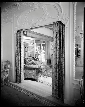 Library, Doheny Mansion, Chester Place, Los Angeles, Calif., 1933