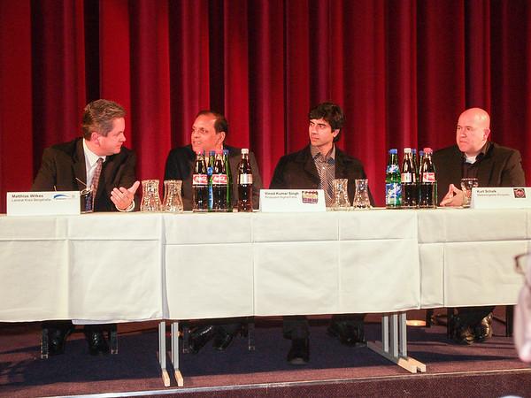 """Pressekonferenz im Kinopolis Rhein-Neckar, Viernheim zur Weltpremiere des  an der Bergstraße gedrehten Bollywood-Films """"Humraah - The Traitor"""" am 8. Oktober 2006"""
