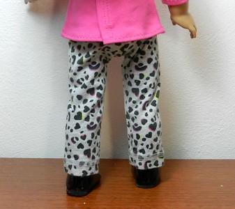 AG BK Pink 3 qtr Sleeve Tee  w Ruffle & TC Gray Balck & Pink Leopard Heart Pants back