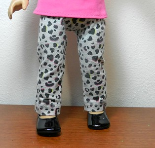 AG BK Pink 3 qtr Sleeve Tee  w Ruffle & TC Gray Balck & Pink Leopard Heart Pants full