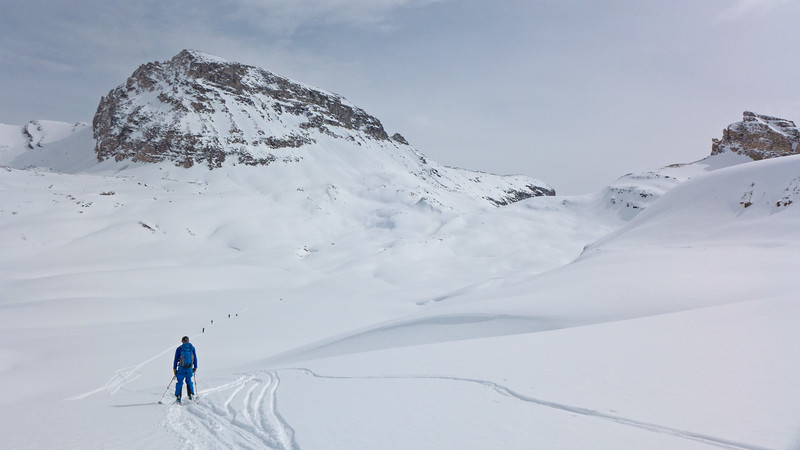 Dropping down from the pass,  to start  the climb to the col behind Dolomite peak, to the right of centre.
