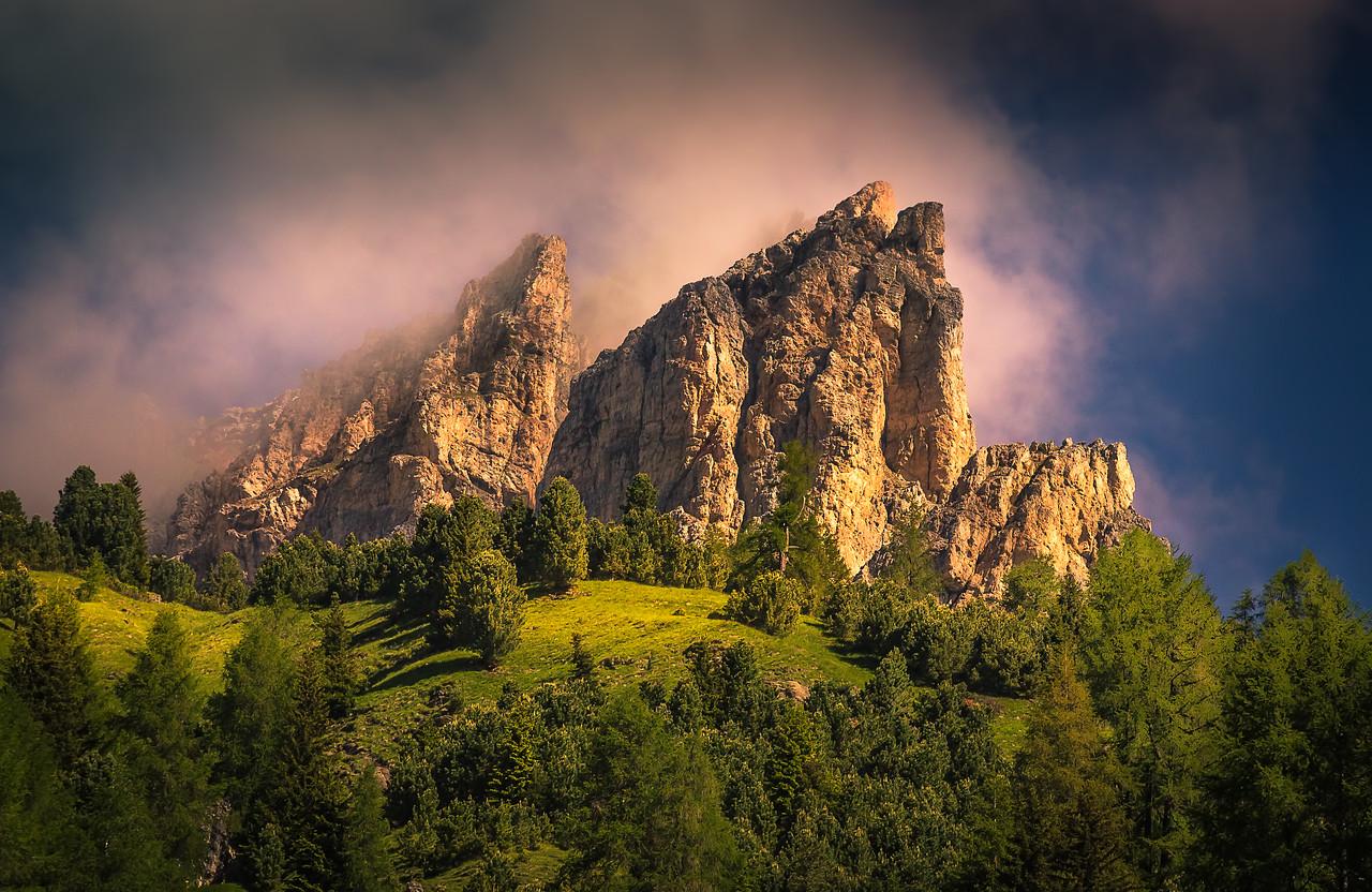 Shrouded Jagged Peaks