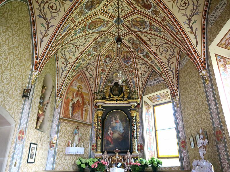 Inside the church of Santa Berbura