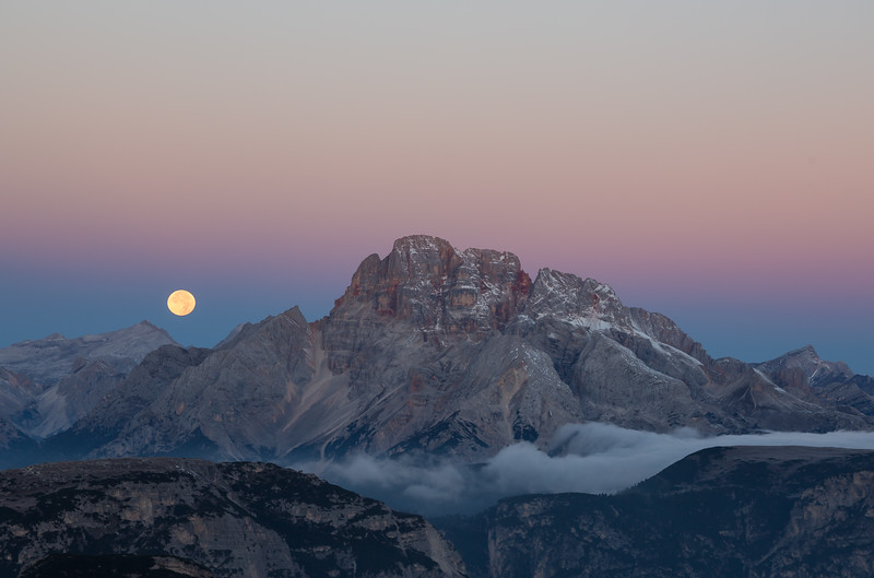Moonset Dolomites