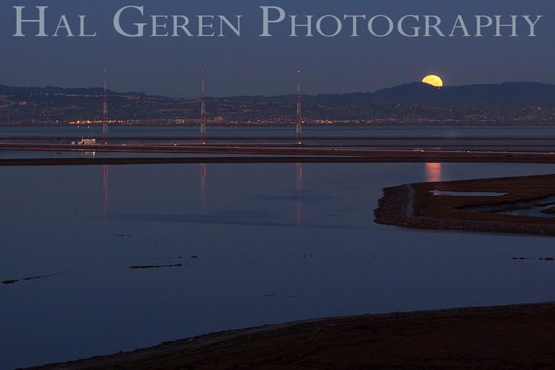 Moonset on the Bay<br /> Don Edwards Natl Wildlife Refuge, Fremont, CA<br /> 1203R-MTOB1