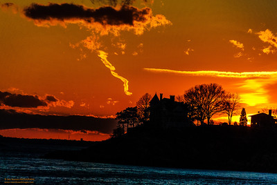 """Striking"" photo taken from Magnolia Beach Gloucester, Massachusetts"