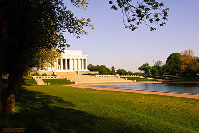 Walk to the Lincoln Memorial