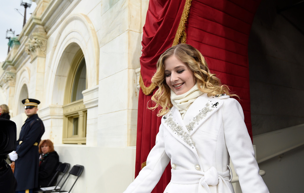 . Singer Jackie Evancho arrives for the Presidential Inauguration of Donald Trump at the US Capitol in Washington, DC, January 20, 2017. / AFP PHOTO / POOL / SAUL LOEB