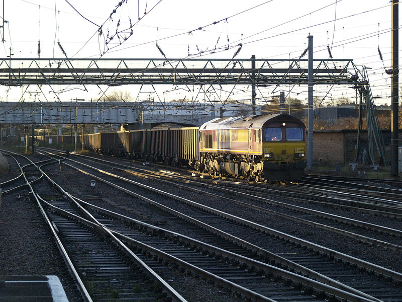 66108 heads north through Doncaster on 6N07 Thoresby - Butterwell monster boxes