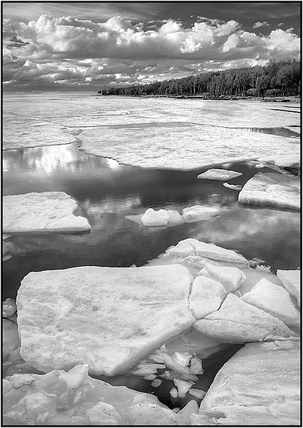 Ice in Eagle Harbor