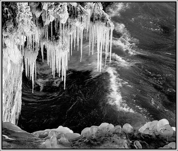 Cave Point Ice