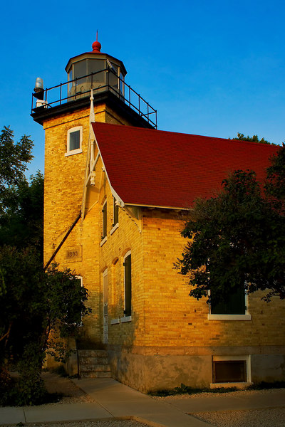 <i><h2>Eagle Bluff Lighthouse</i></h2><h4>Fish Creek, WI</h4>