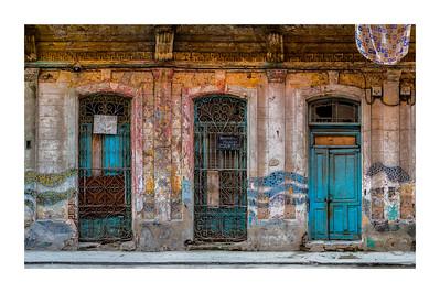Panorama_three doors