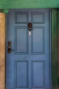 hollywood-hills-home-door-1-2