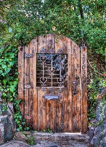 hollywood-hills-door-1