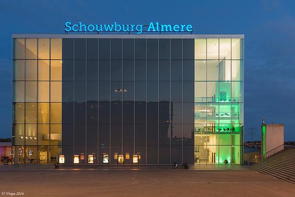 Almere schouwburg.