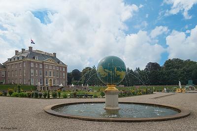 """Nationaal museum """"Paleis Het Loo"""" in Apeldoorn."""