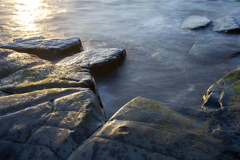 Kimmeridge - sun on rocks
